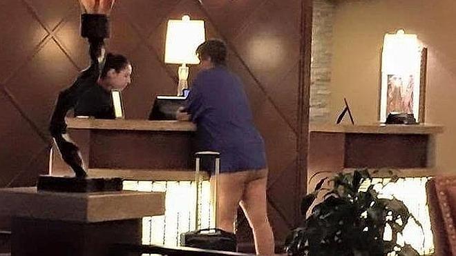 Nueva ilusión óptica: ¿Lleva leggins o está desnuda?