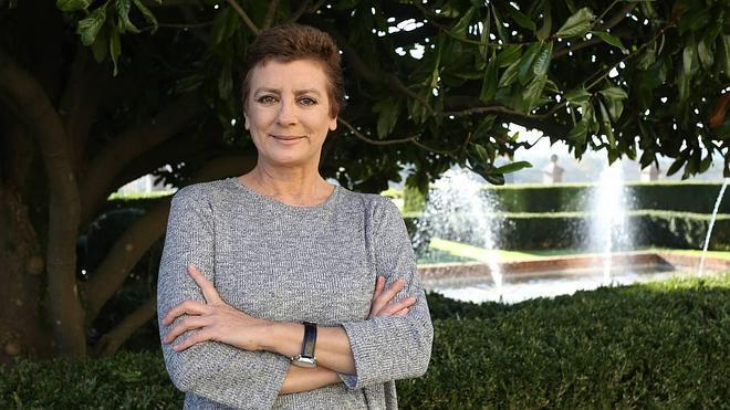Ángeles Caso aplaza la presentación de su novela 'Todo ese fuego' prevista para hoy en el Ateneo Jovellanos
