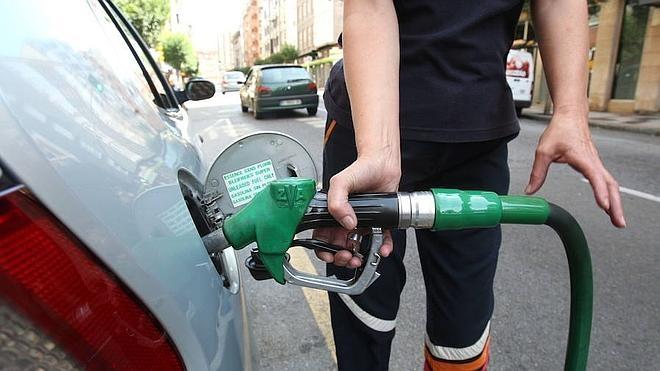 Gasolineras asturianas alertan de que el impuesto autonómico las lleva al cierre