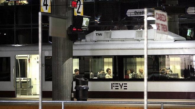 Las estaciones de FEVE asturianas tendrán códigos QR y NFC para consultar los horarios