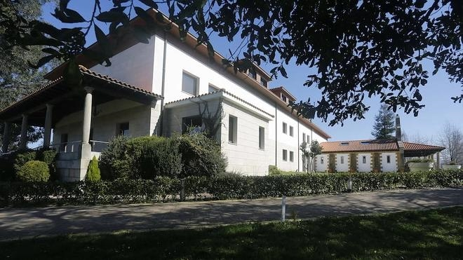 Gijón adjudica las concesiones para la residencia de estudiantes y el hotel de La Llorea