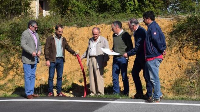 Siero instalará semáforos en la carretera de Ferrera que une La Pola con la Autovía Minera