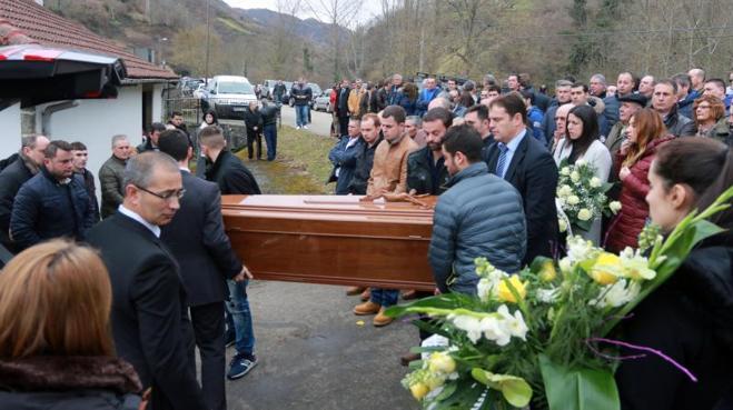 Casomera despide a Fidel Mejido, el cazador fallecido de un disparo en Quirós