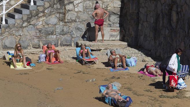 21,2 grados y sol para disfrutar en Gijón
