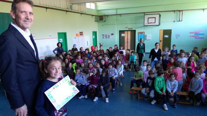 El colegio Río Piles entrega sus premios de dibujo sobre Gloria Fuertes