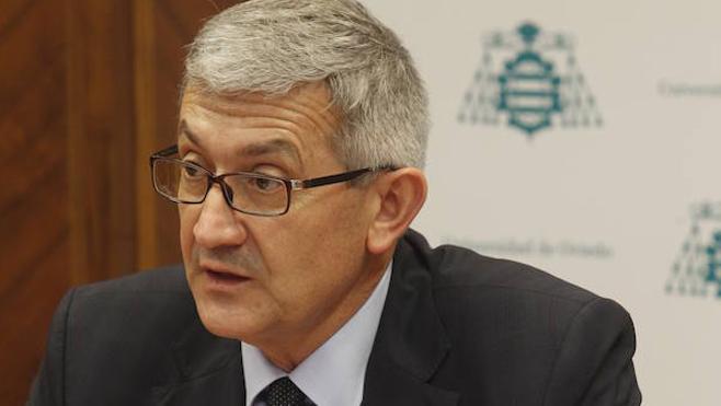 Universidad de Oviedo | El rector pide una rebaja del 1% en las tasas de primera matrícula y del 1,5% en las demás