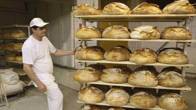 Los panaderos piden a la RAE que suprima el refrán «pan con pan comida de tontos»