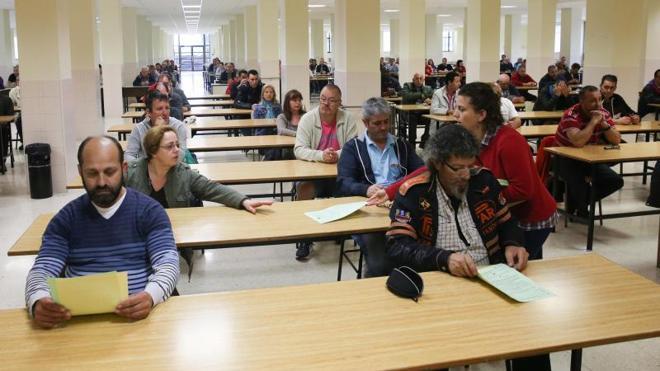 Menos del 30% de los inscritos se presentan al examen de peón de los planes de empleo de Gijón