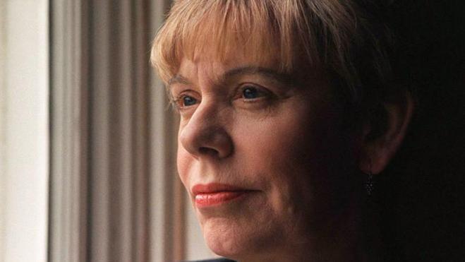 Karen Armstrong: «No podemos vivir los unos sin los otros»