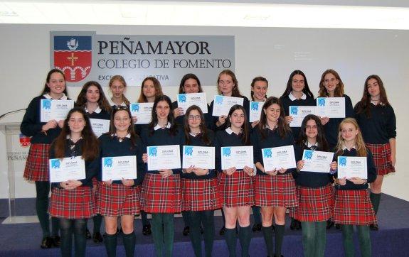 Graduación de las alumnas de cuarto de la ESO del colegio Peñamayor ...