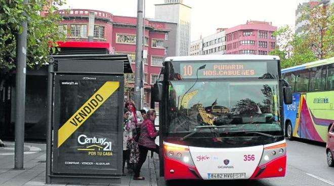EMTUSA considera «incompatible» con su actividad limitar la velocidad a 20 por hora en Gijón